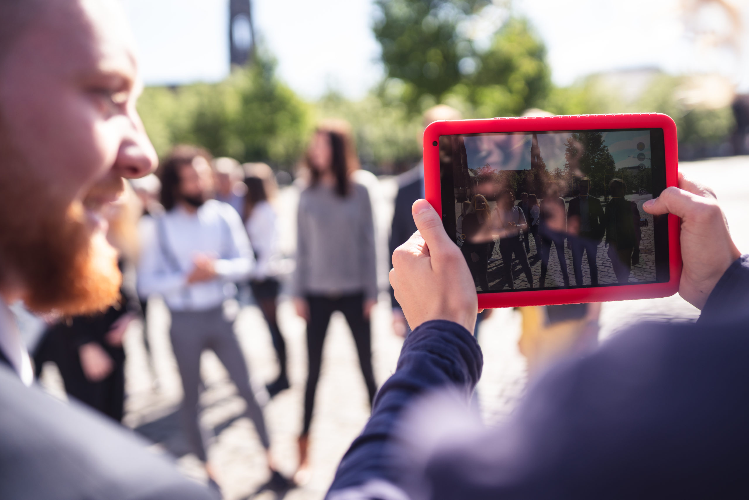 CityGames München Firmen Team Pro Tour: Firmengruppenfoto mit dem iPad