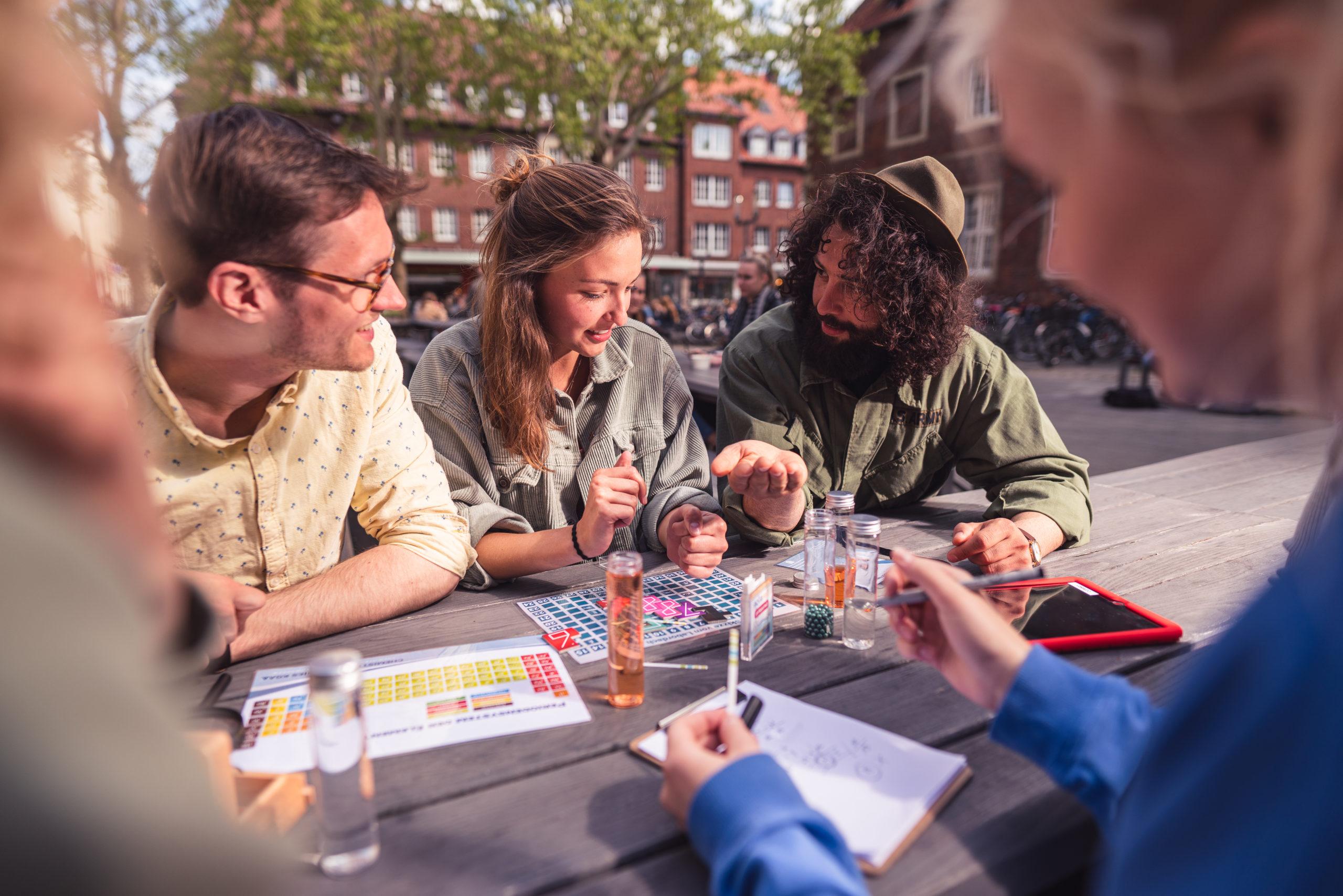 CityGames Escape Tour: Teilnehmergruppe rennt durch die Straßen
